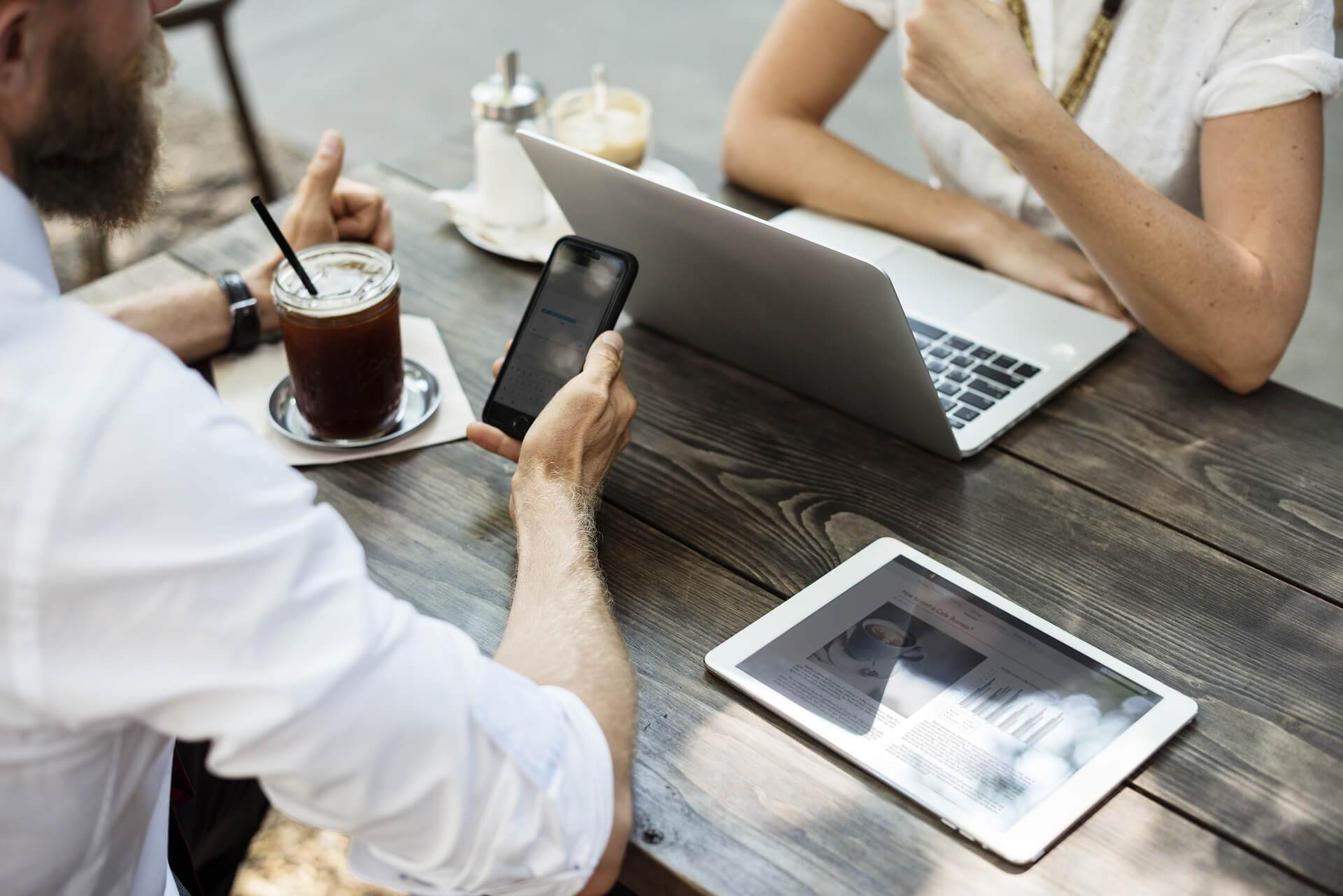 Mobile Business Intelligence: Why You Should Be Using On-The-Go Analytics